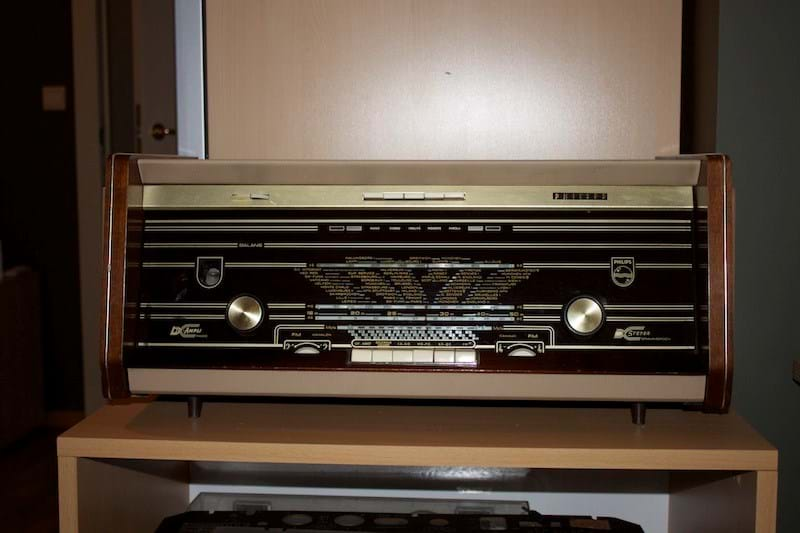 Philips B6X12A valve radio